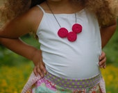 rellas rosies: pomegranate fabric rosette necklace, shabby chic, anthroplogie inspired