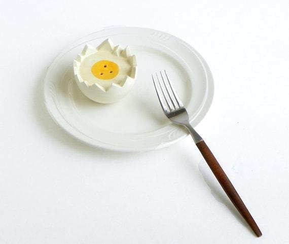 Egg Shape S&P Shaker
