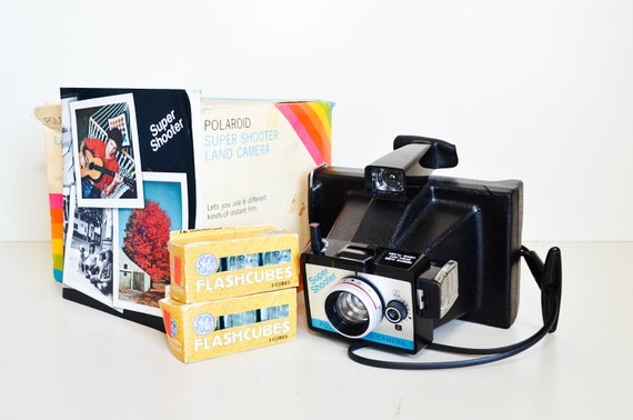 Polaroid Camera Super Shooter with Flash Cubes