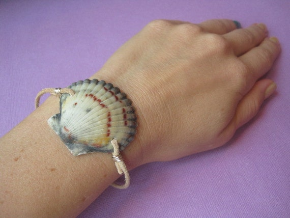 Leather and Atlantic Calico Scallop Seashell Bracelet
