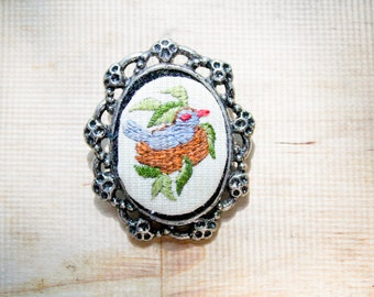 needlepoint brooch : bluebird nest pin