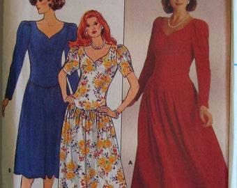 Vintage  Butterick Womens Sewing Pattern 3149 size  6-8-10   Uncut
