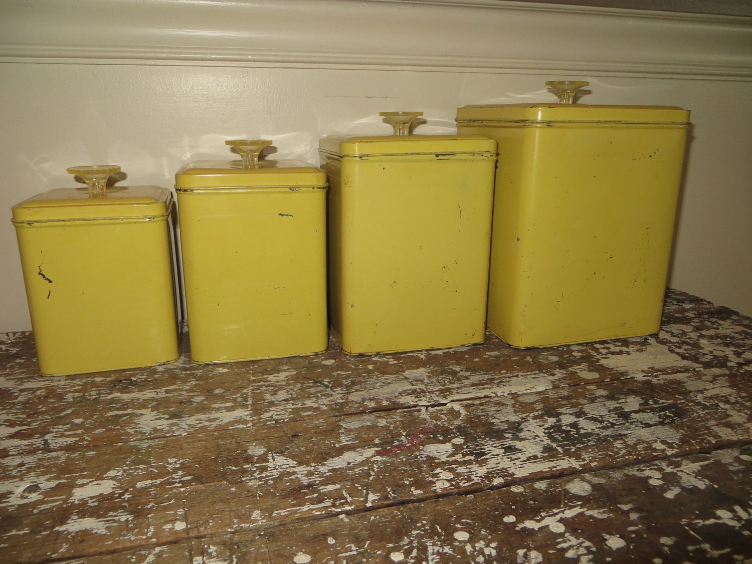 Vintage canisters yellow canister set retro kitchen canisters for Kitchen set yellow