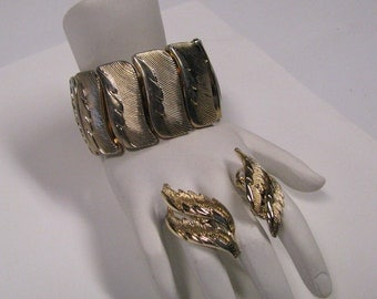 Vintage Coro Expansion Bracelet & Matching Clip on Earring Set in Gold tone Metal