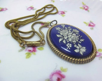 Vintage blue floral cameo pendant necklace flower bouquet necklace dark blue navy blue royal blue in antique brass setting