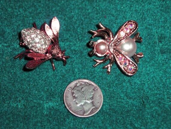 2 Vintage Rhinestone Bee Pins 1960's Faux Pearl Jewelry 164