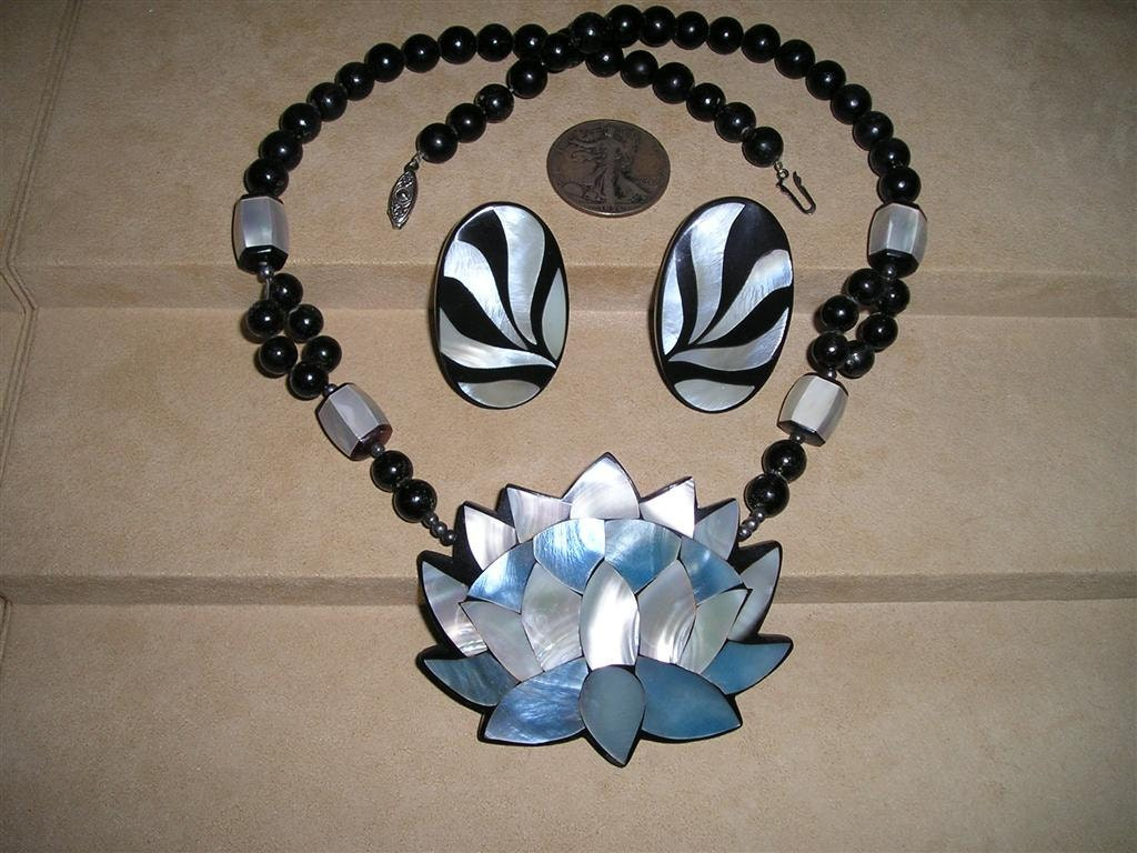 Lee Sands Vintage Necklace 1970 S Inlaid Mother Of Pearl