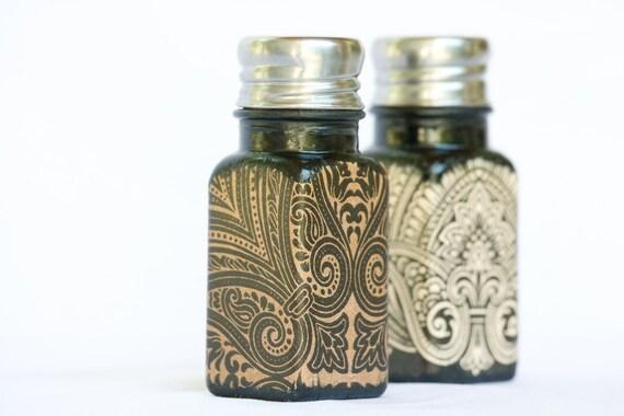 Salt & Pepper Shakers, Arabesque Swirls Brown Kitchen Set, Victorian Beige Swirls, SP Shakers, Brown Kitchen Set