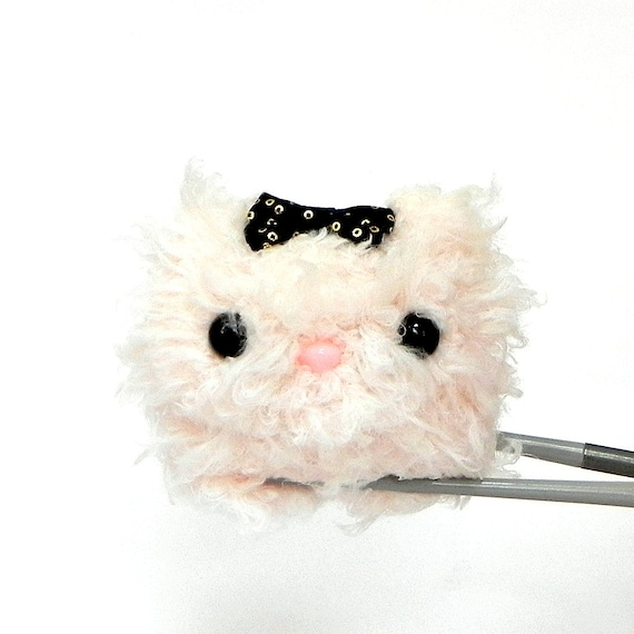 Crochet amigurumi mochi toy doll fluffy pale pink cat for Fluffy cat toy