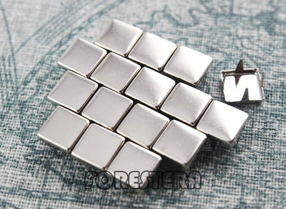 100Pcs 8mm Silver Flat Square Studs (SFQ08)