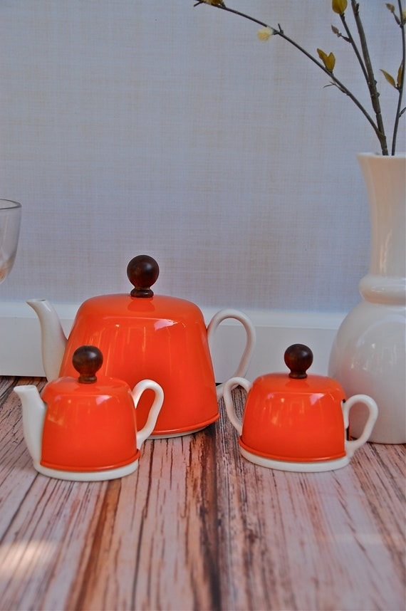 Mid Century Tea Pot, Cream & Sugar with Tin and Woolen Warming Cover in Retro Orange from Japan