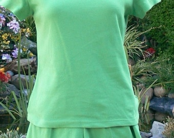 green short outfit size small bust 34-36