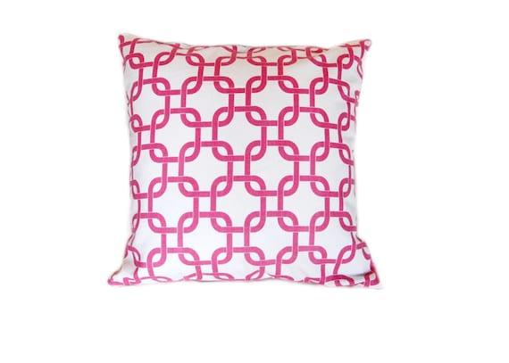50% OFF Candy Pink Chain Link Pillow. Decorative Pillow Cover. Pick a Size. Toss Pillow. Sofa Pillow.
