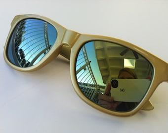 Rave light show glasses - gold