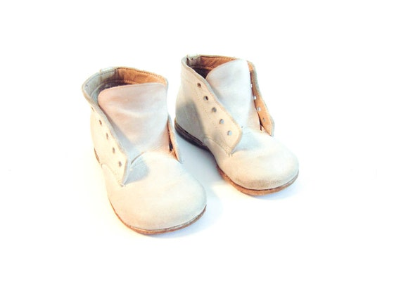 Vintage White Leather Baby or Toddler Boots