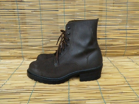 Vintage  Lady's Brown Suede Lace up Ankle Boots Size EUR 36 / US Woman 6
