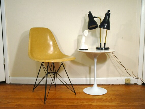 Herman Miller Eames DSR Chair With Eiffel Base - Mid Century Modern Fiberglass Shell Chair With Wire Base