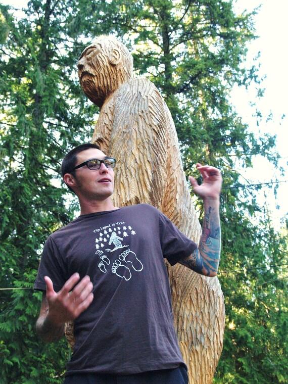 Mens Bigfoot Sasquatch T Shirt - LARGE - The Legend Is True