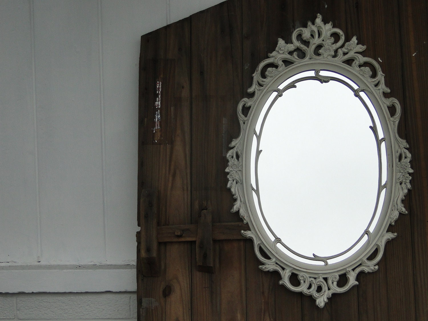 Large ornate oval framed mirror hollywood regency vintage for Large white framed mirror