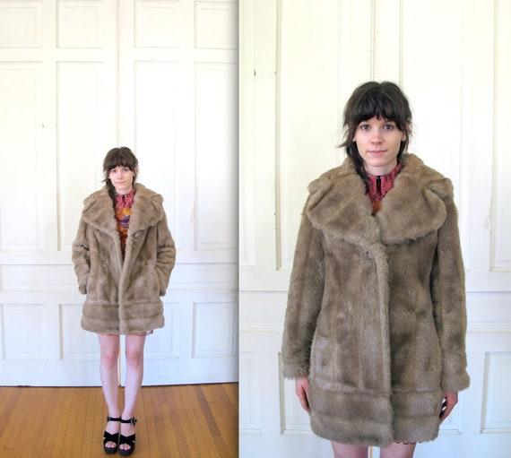 Vtg 60s Faux Fur Pea Coat / Tan Brown Oversized Collar Coat / Women's Outerwear