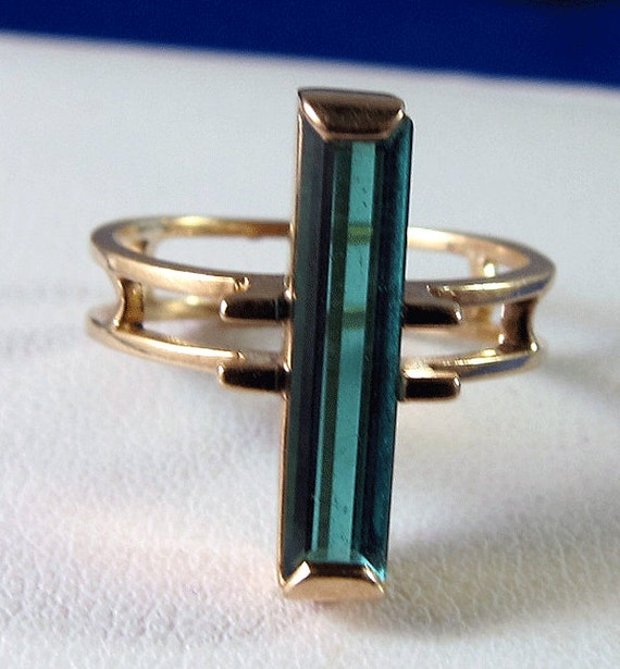 RESERVED FOR suziesvintage - Stunning Antique Very Art Deco Green Tourmaline Ring