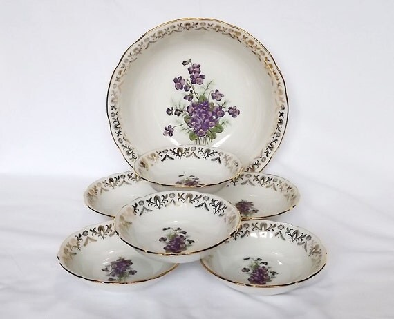 RESERVED for Ikumi - Set of bowls with violet decoration