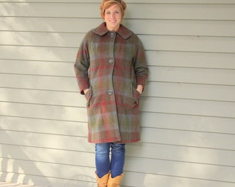 SALE 1960s plaid wool winter coat. Size large 10-12-14
