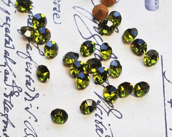 12 Vintage Olivine Swarovski crystals, 35 SS