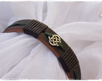 Elven Leather Bracelet With Celtic Knot For Him, Slim Leather Bracelet, Elven Leather Bracelet, Men's Leather Bracelet, Nordic Leather Cuff