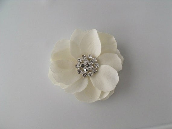 Wedding Bridal Hair Flower Gardenia Magnolia Rose  - Petite small dainty - Creamy Antique Ivory - Rhinestone Center - Alligator Clip