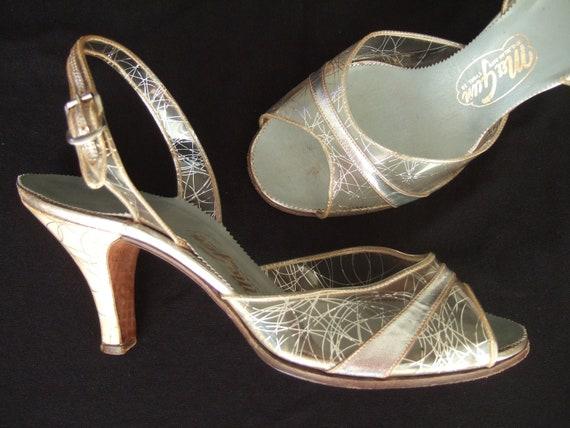 Vintage 1950s shoes / 50s clear vinyl silver wedding shoes sling back stiletto sandals UK 5 EU 38 US 7