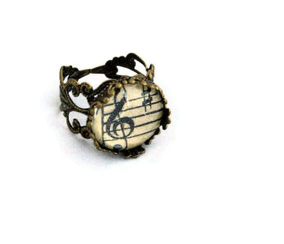 Antique Bronze Filigree Style Vintage Sheet Music Ring - 'Treble Clef'