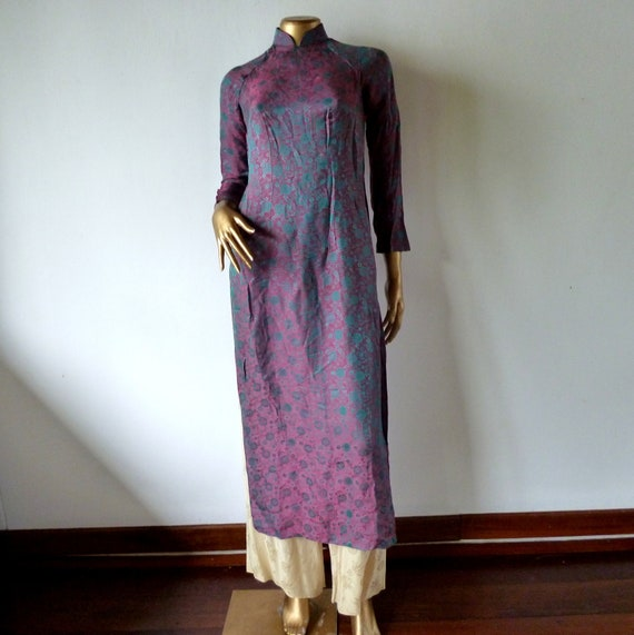 RESERVED for Betty/do not buy Vintage Ao Dai, beautiful tonic silk from Vietnam.