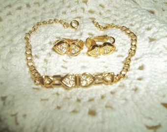 Stunning Avon Sparkle Connection Golden Chain Bracelet With Matching Clip-on Earrings Signed