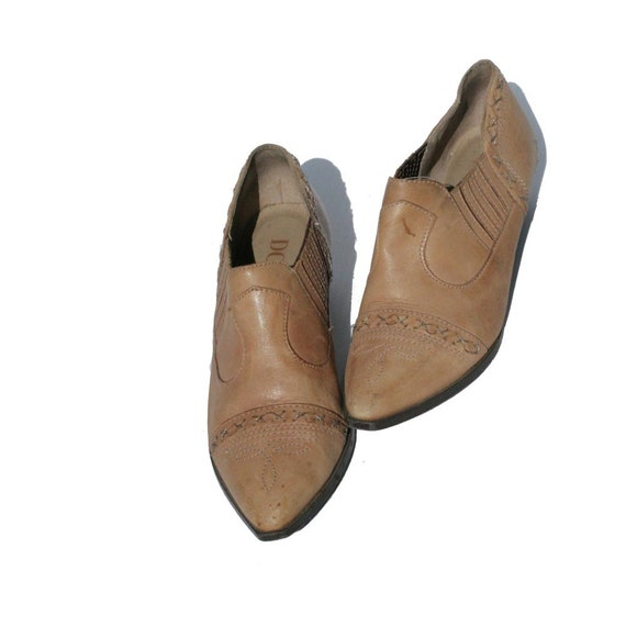 size7.5 tan leather ankle slip on shoes