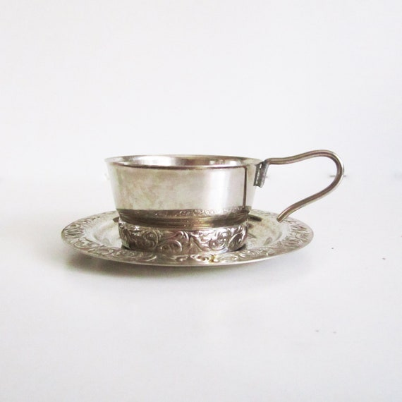 Tea glass holder, beautiful vintage. Decorate your home,drink from a cool holder...