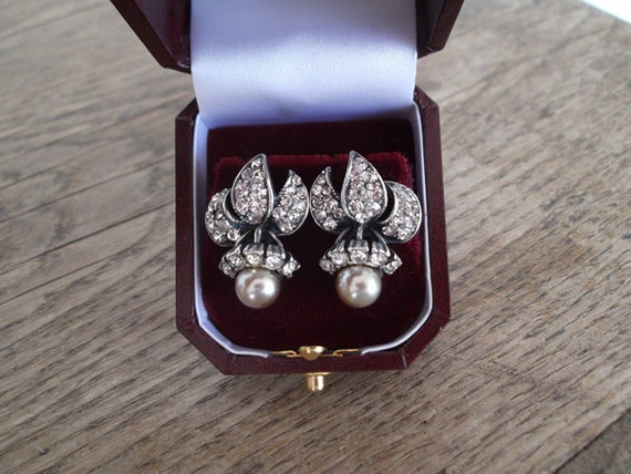 1930s Rhinestone and Faux Pearl Clip On Earrings