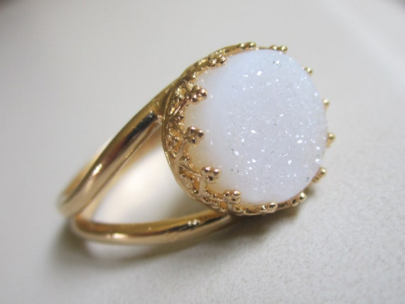 Druzy ring, Gemstone ring, Gold ring, Bridal ring, Cocktail ring, white stone ring, 10 mm stone, Vintage ring, bridesmaid gift