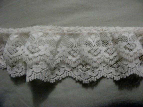 "Vintage Double Ruffle Gathered Lace Off White Over 3 yards 1 1/2"" Wide ONLY 5 USD"