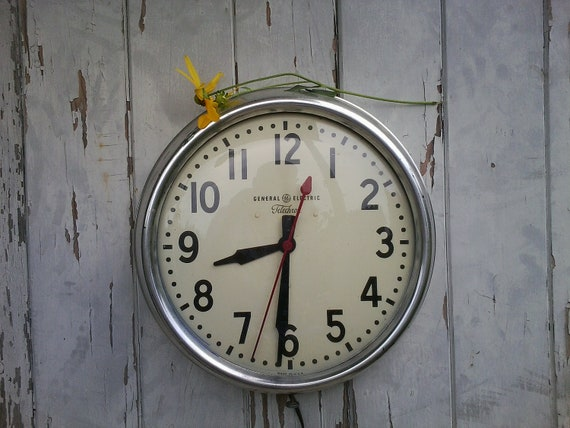 Industrial vintage chrome school clock-1950's mid-century lunchroom clock by GE-RARE and working