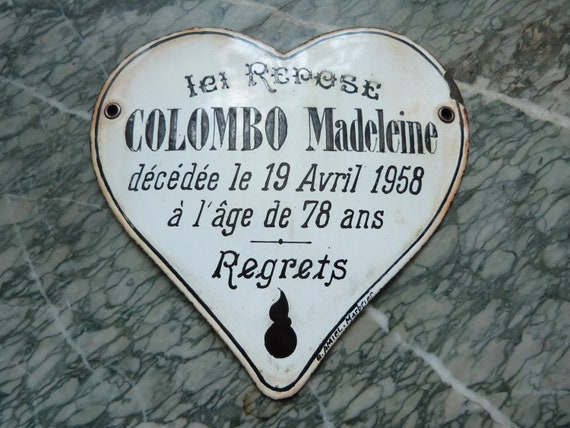 Antique French mourning grave yard marker enamel cemetery tomb memento plaque, enameled heart, RARE, 1900s cemetary tombstone spooky