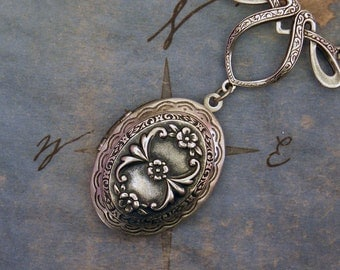 Silver Flower Locket Necklace - Romantic Oval Necklace - Silver Victorian Necklace