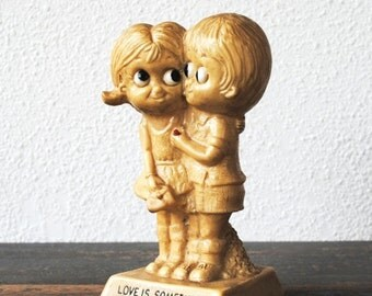 """Vintage Russ Berrie Figurine Statue, Big Eye Boy Girl """"Love is Something You Share Not Own"""" 837"""