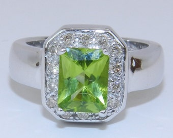 14K White Gold Diamond and Radiant Peridot Halo Engagement Right Hand Ring Size 6.25