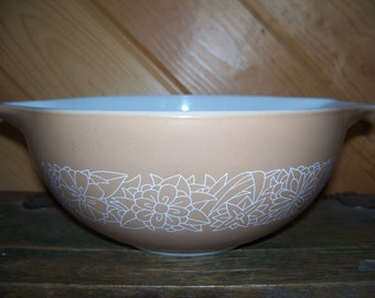 Woodland Brown 2.5 L Pyrex Cinderella Bowl