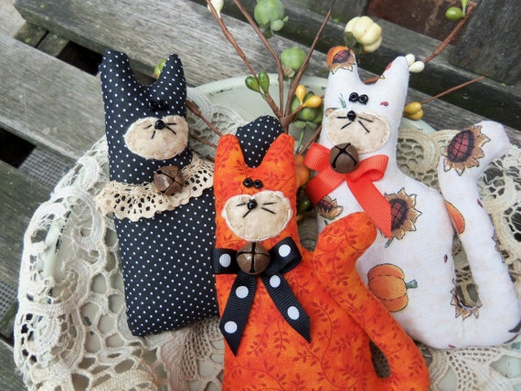 Primitive Bowl Fillers Fall Halloween Barn cats set of 3 FITOGF