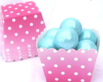 10PiNK And WHiTe PoLKa Dot Square--Nut/Candy/Baking Cups--10ct--Parties--cupcakes-gumballs-snacks