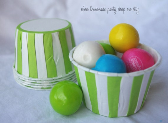GReeN and WHiTe STriPe NuT/CANDy/PoRTiON CuPS-Gumballs, Snacks, Nuts, Cupcakes-Birthday Parties-Showers-25ct