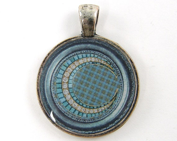 Crescent Moon Pendant - Vintage Jewel Photo Blue Teal Silver Brooch Round Resin Jewelry