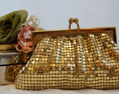 Vintage Whiting Davis Gold Change Purse - TheEclecticInterior